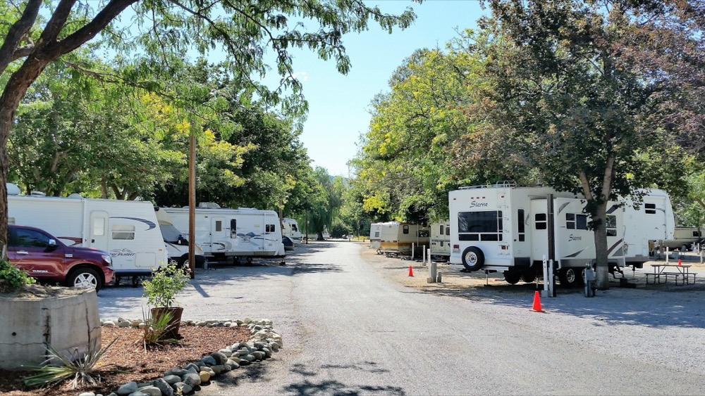california full hookup camping